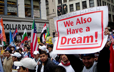 Immigration rally draws massive turnout, mixed coverage online