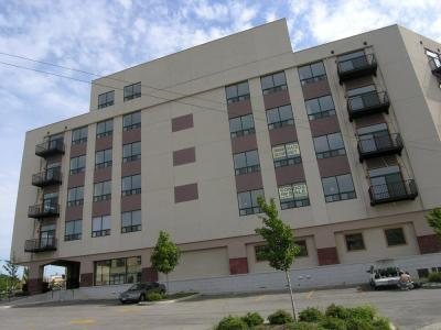 Chicago auction action: hammer time at Park Village Condos